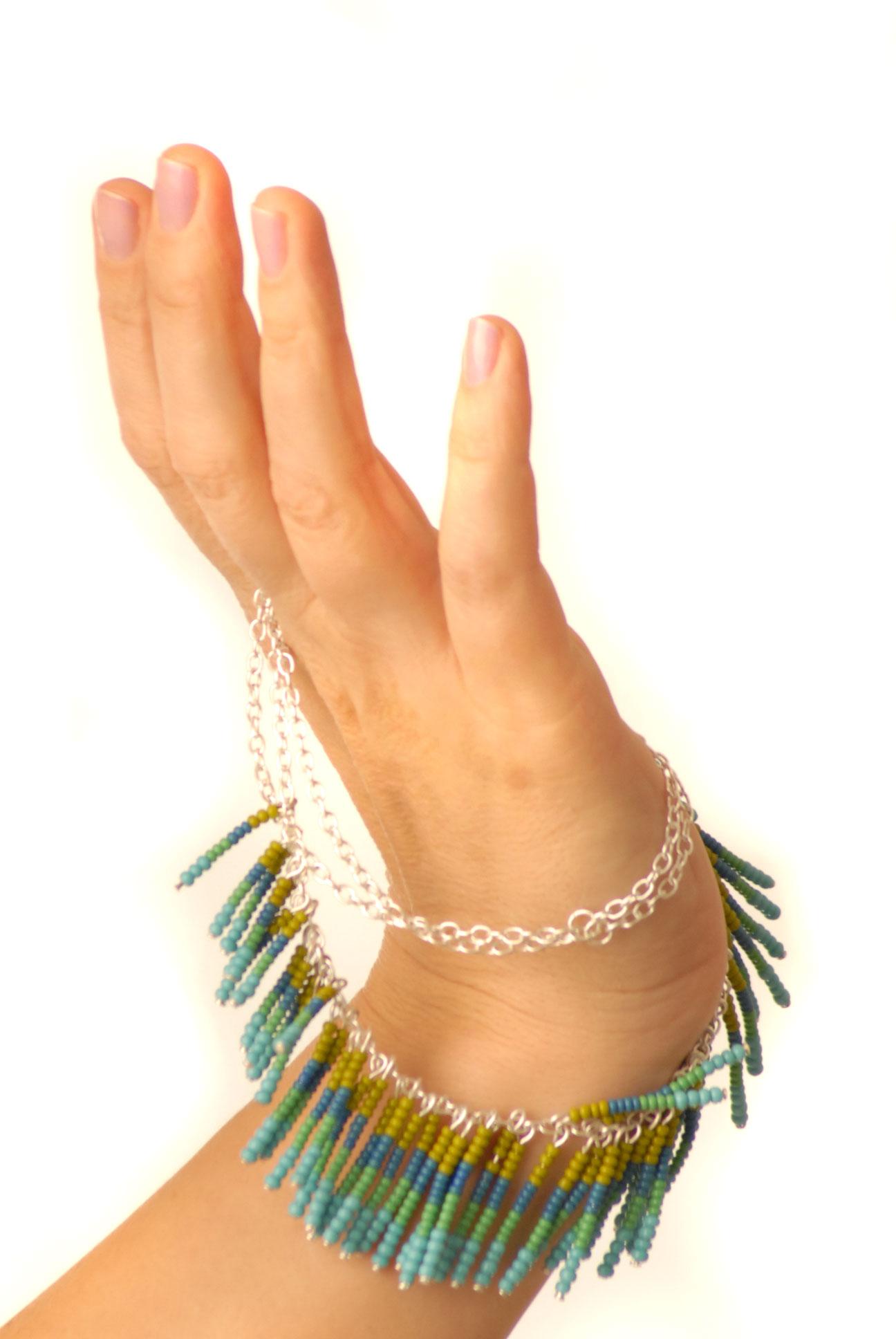 Řetízek s perličkami – tyrkys